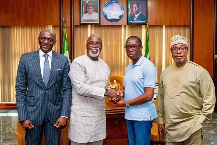 Pinnick presents Pitch Awards gong to Governor Okowa